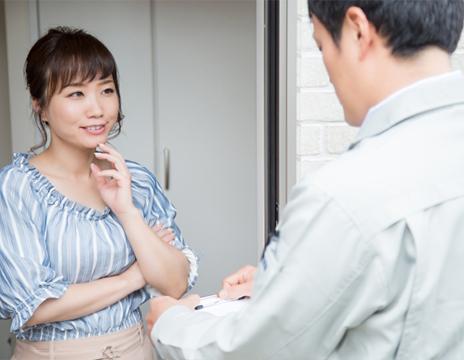 問診を受ける女性